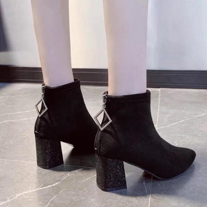 Giày Boot Mũi Nhọn
