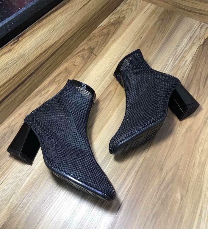 giày bốt đế thô lưới