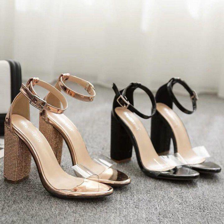 Giày cao gót kim tuyến