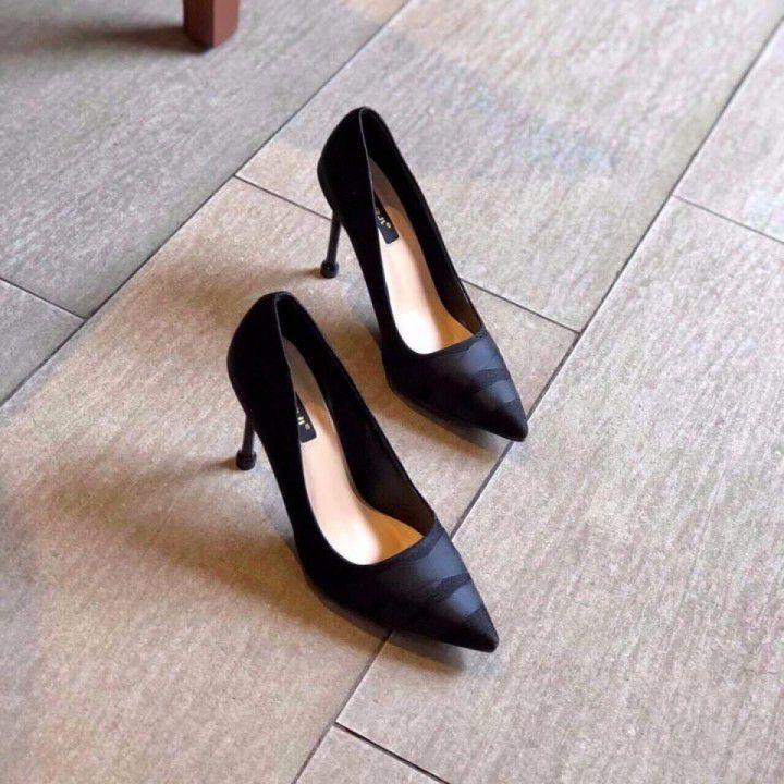 Giày mũi nhọn cao gót
