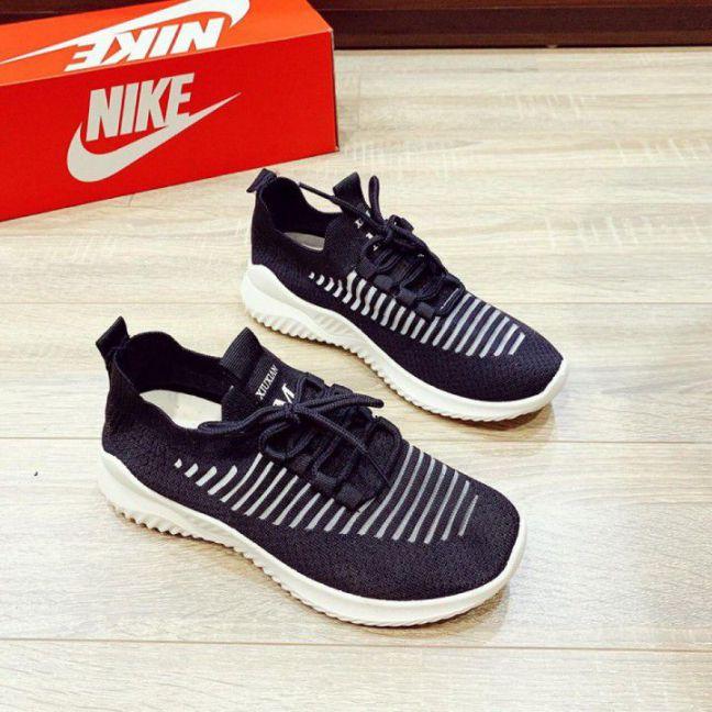 Giày thể thao phối lưới