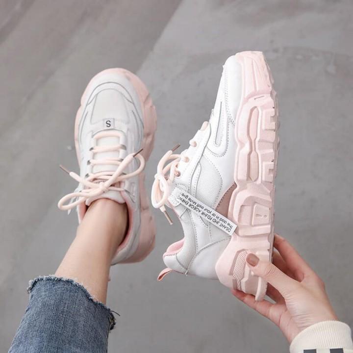 Giày thể thao nữ đế cao