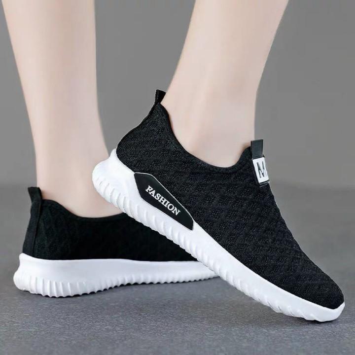 Giày thể thao Trung Niên