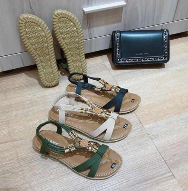 Giày sandal kết hạt gỗ