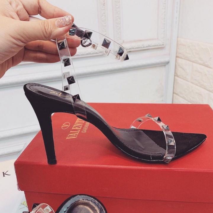 Giày cao gót quai đinh 8cm