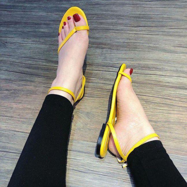 Giày sandal dây mảnh