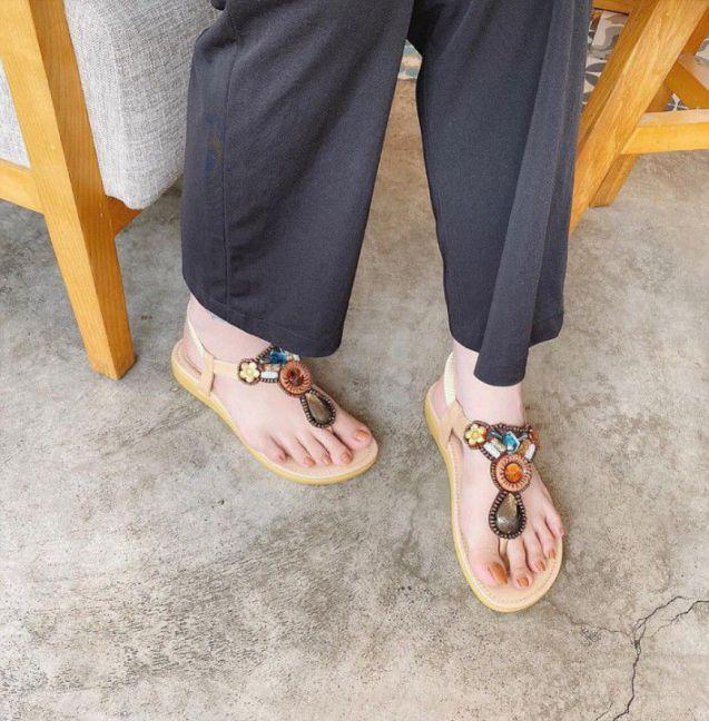 Giày sandal đính đá