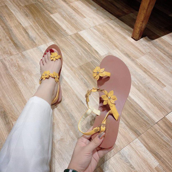 Giày xăng đan kết hoa